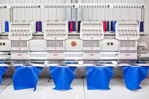 Emblematy haftowane - personalizowanie odzieży ochronnej