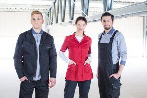 Odzież ochronna I kategorii chroni pracownika przed zabrudzeniami